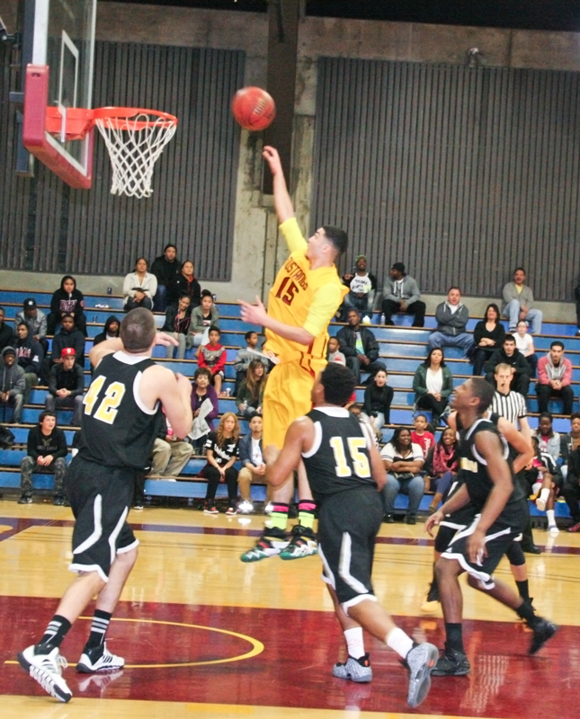 Men\'s Basketball LMC vs Marin 01-31-14