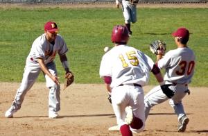 Baseball loses series against De Anza College