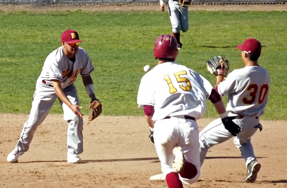 Baseball loses series against De Anza College
