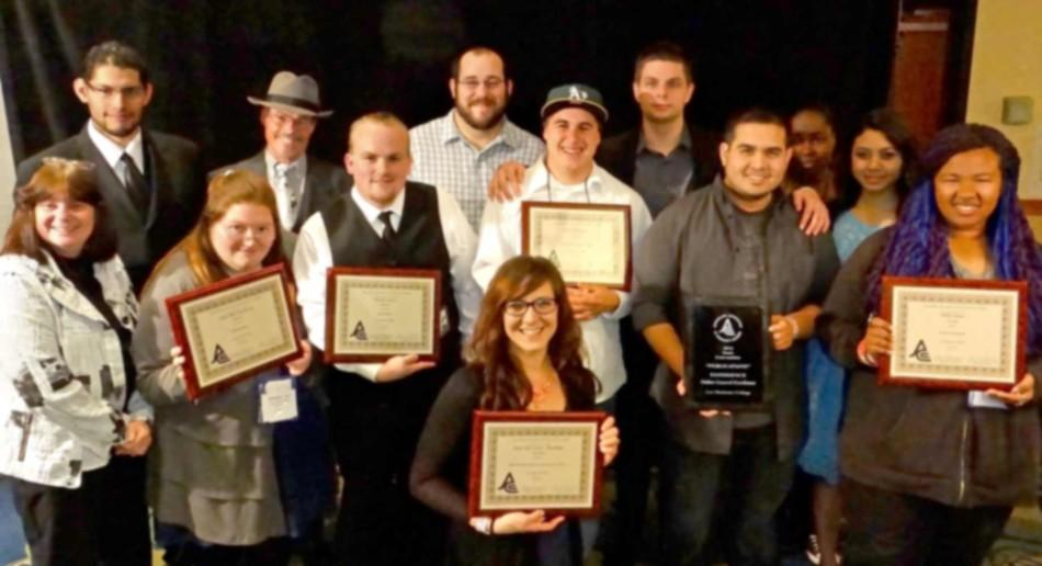 LMC+Experience+staff+poses+with+numerous+awards.+From+left%3A+Adviser+Cindy+McGrath%2C+Irvin+Trigueros%2C+Aishling+Doherty%2C+Adviser+Curtis+Corlew%2C+Joseph+Delano%2C+Steven+Luke%2C+Kellie+McCown%2C+Dakotah+Zabroski%2C+Luke+Johnson%2C+Brendan+Cross%2C+Jazmine+Gordon%2C+Rattana+Kim+and+Kimberly+Stelly.
