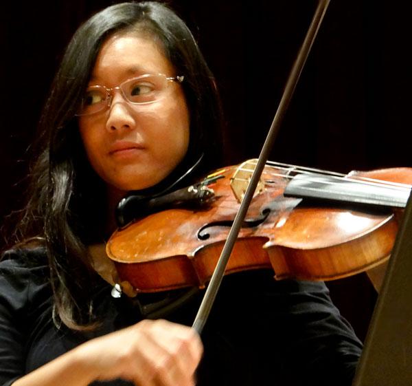 During the LMC Baroque Ensemble Aileen Nichols plays viola.