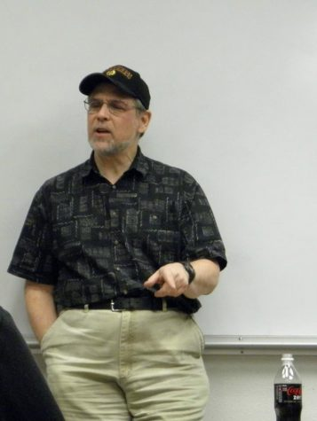 Political science professor elects for retirement