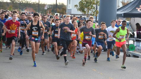 Thanksgiving day run hits a stride