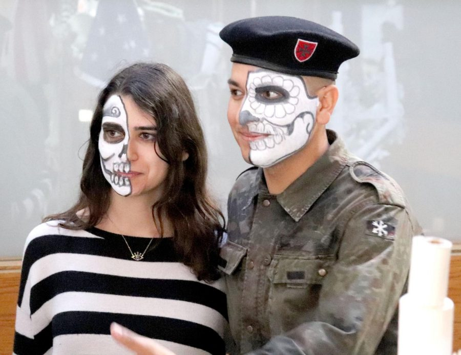 Ofrendas+commemorate+the+dead