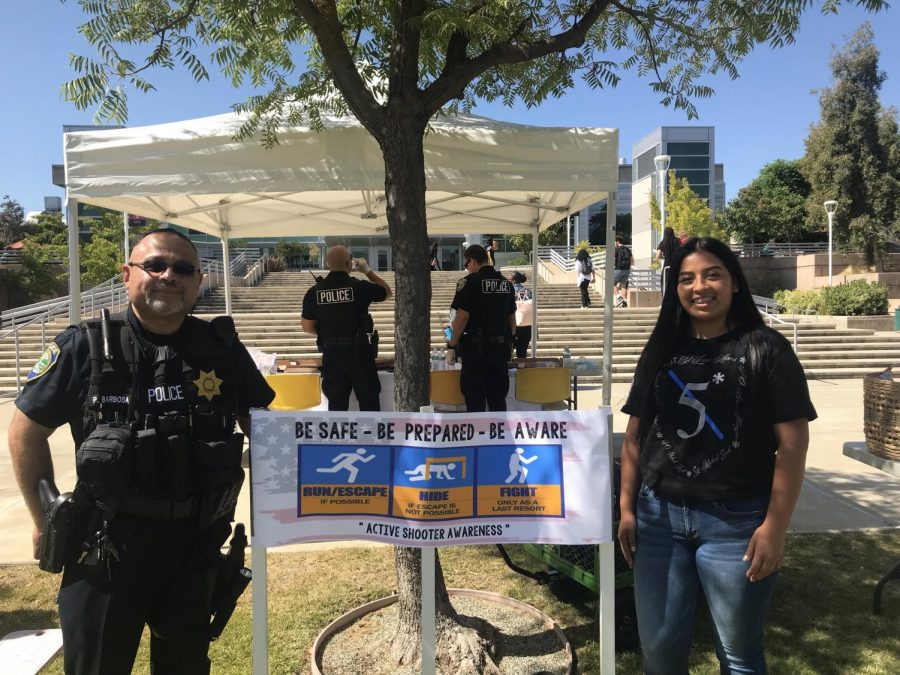 Officer+Barbosa+showing+support+alongside+Esperanza+Rojas+for+Active+Shooter+Awareness+Week+Sept.+11+at+Los+Medanos+College.