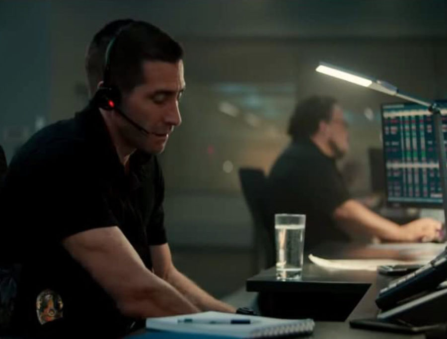 Jake+Gyllenhaal+as+911+operator+Joe+Baylor.+The+movie+takes+place+at+his+workplace.